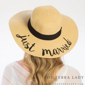 Just Married | Embroidered Sun Hat  natural